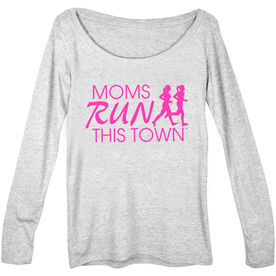 Women's Runner Scoop Neck Long Sleeve Tee - Moms Run This Town Logo (Pink)