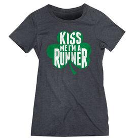 Women's Everyday Runner's Tee Kiss Me Shamrock Runner