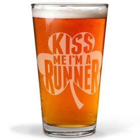 16 oz Beer Pint Glass Kiss Me Shamrock Runner