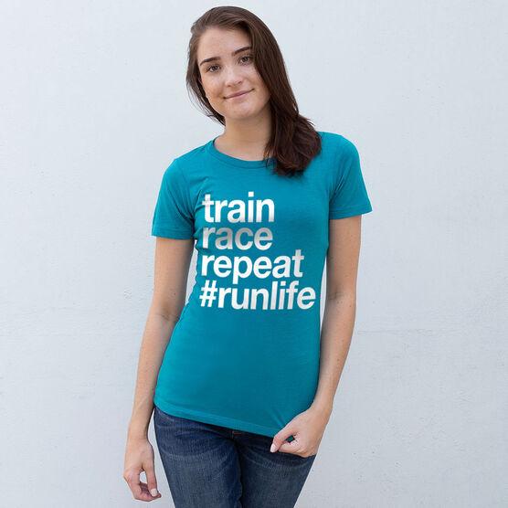 Women's Everyday Runners Tee - Train Race Repeat