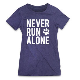 Women's Everyday Runners Tee - Never Run Alone (Bold)