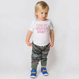 Running Baby T-Shirt - I Love My Marathon Mommy
