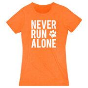 Women's Everyday Runners Tee - Never Run Alone (Bold)