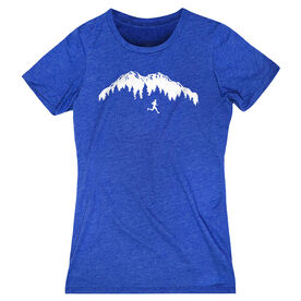 Women's Everyday Runners Tee - Trail Runner in the Mountains