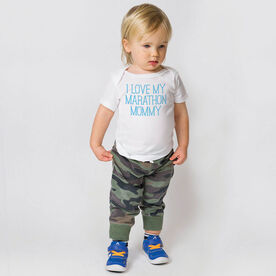 Running Baby T-Shirt - I Love My Marathon Mommy