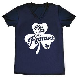 Women's Short Sleeve Tech Tee - Kiss A Lucky Runner