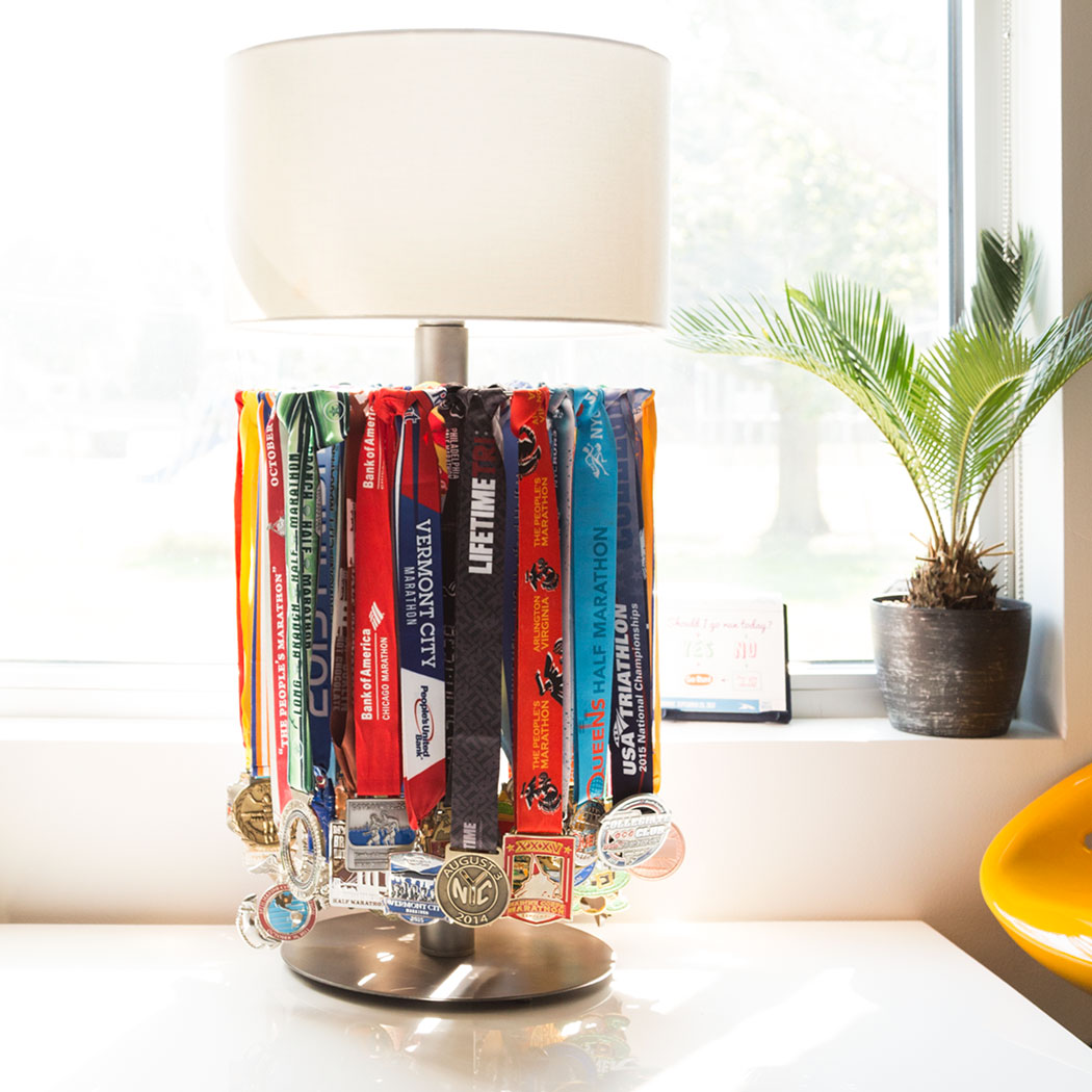 Tabletop Race Medal Display Lamp – Gone For a Run
